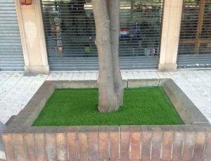 Césped artificial en jardineras